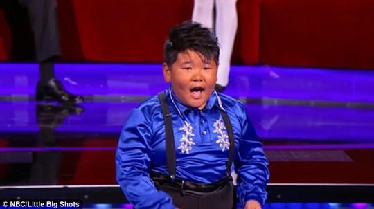 10 tuổi nổi tiếng với tài nhảy cực siêu