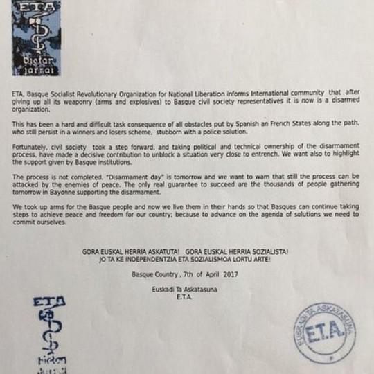 Bức thư tuyên bố giải trừ quân bị của thủ lĩnh ETA. Ảnh: Daily Mail