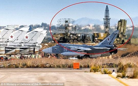Nga triển khai hệ thống phòng không S-300 và S-300 tại bờ biển Syria sau vụ Thổ Nhĩ Kỳ bắn rơi tiêm kích Sukhoi-24. Ảnh: Ministry of Defense of the Russian Federation
