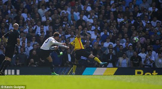 Dele Alli ghi bàn thắng đẹp cho Tottenham trận gặp Watford