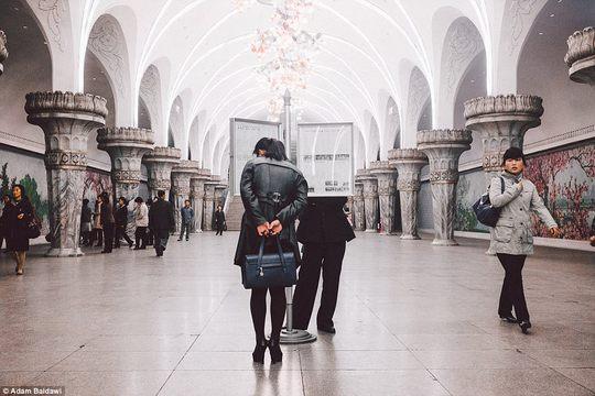 Adam Baidawi dành phần lớn thời gian khám phá thủ đô Bình Nhưỡng - nơi mà ông khẳng định là giàu hơn nhiều so với các khu vực khác ở Triều Tiên. Ảnh: Ảnh: Adam Baidawi
