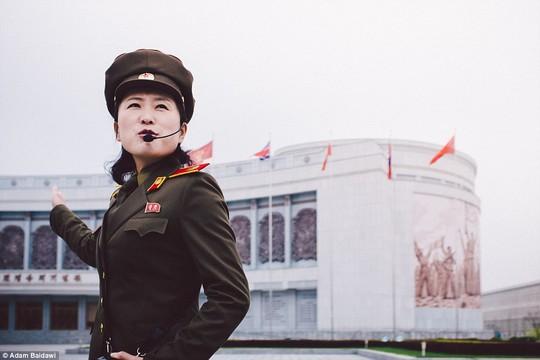 Ông Adam Baidawi cho biết ông mất 3 năm để thực hiện loạt ảnh về cuộc sống thường nhật của người dân Triều Tiên. Ảnh: Adam Baidawi