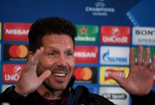 HLV Simeone thận trọng trước chuyến làm khách Leicester