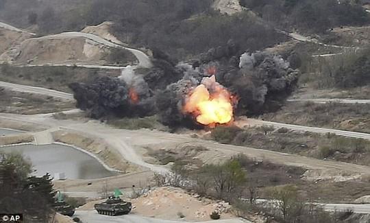"""Triều Tiên dọa """"xóa sổ"""" Mỹ - Hàn bằng 5 triệu bom nguyên tử - Ảnh 10."""