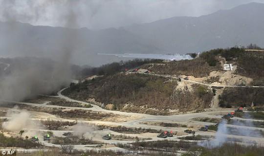"""Triều Tiên dọa """"xóa sổ"""" Mỹ - Hàn bằng 5 triệu bom nguyên tử - Ảnh 13."""
