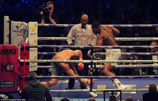 Xem Joshua hạ knock-out tay đấm thép Klitschko - Ảnh 3.