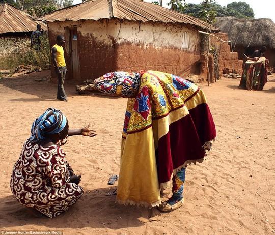 Bí ẩn hồn ma sống vùng Benin - Ảnh 13.