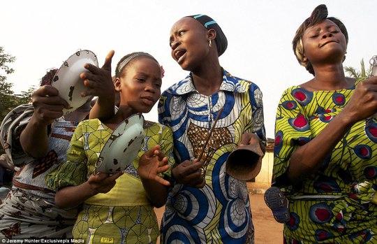 Bí ẩn hồn ma sống vùng Benin - Ảnh 12.
