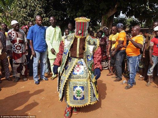 Bí ẩn hồn ma sống vùng Benin - Ảnh 8.