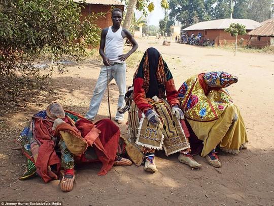 Bí ẩn hồn ma sống vùng Benin - Ảnh 6.