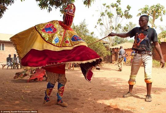 Bí ẩn hồn ma sống vùng Benin - Ảnh 5.