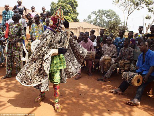 Bí ẩn hồn ma sống vùng Benin - Ảnh 10.