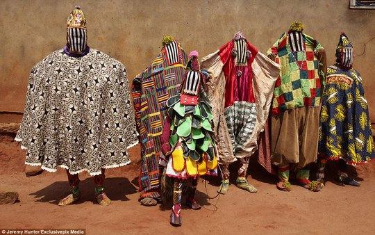 Bí ẩn hồn ma sống vùng Benin - Ảnh 7.