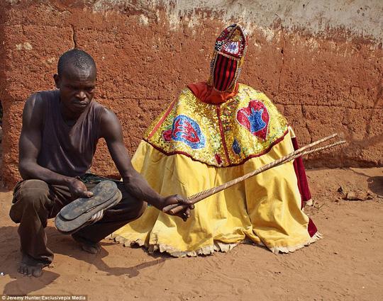 Bí ẩn hồn ma sống vùng Benin - Ảnh 4.