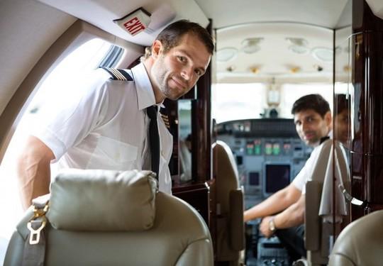 Nhân viên hàng không bật mí chuyện riêng tư - Ảnh 2.