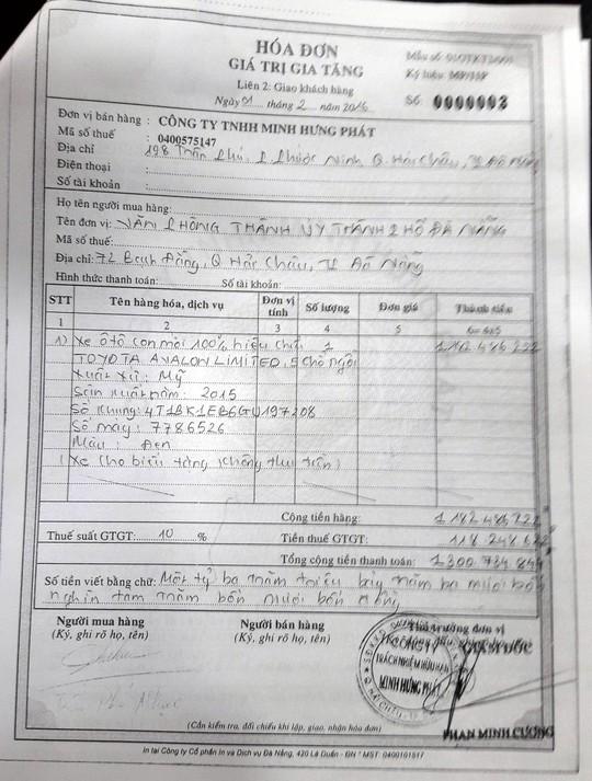 Giấy tờ chứng minh xe biển số xanh 43A-29999 lmua giá 1,3 tỉ đồng (gồm thuế GTGT)
