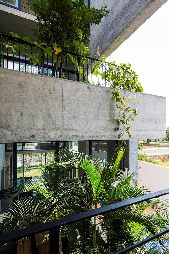 Căn nhà xếp khối lạ mắt ở Sài Gòn