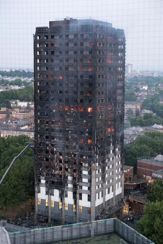 Vụ cháy ở London: Hơn 100 người có thể đã thiệt mạng - Ảnh 1.