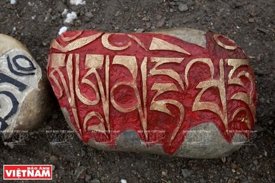 Hành trình chiêm bái ngọn núi thiêng Kailash ở Tây Tạng - Ảnh 4.