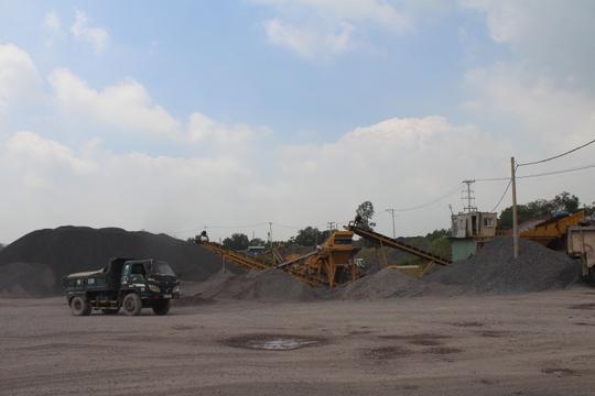 Cận cảnh khu mỏ đá và trạm BOT liên quan phó bí thư Đồng Nai - Ảnh 4.