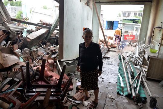 Khốn khổ sau vụ tai nạn xe tải tông sập 4 nhà dân - Ảnh 3.