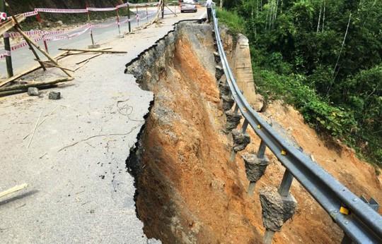 Quốc lộ gần 100 triệu đô ở Thanh Hóa sụt lún kinh hoàng - Ảnh 6.