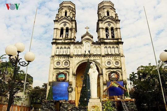 Những nhà thờ lý tưởng để đón Giáng sinh ở Hà Nội - Ảnh 3.