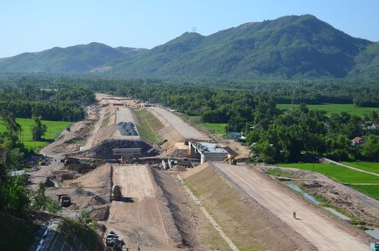 Toàn tuyến cao tốc Đà Nẵng - Quảng Ngãi đã thi công được khoảng 66% Ảnh: TRẦN THƯỜNG