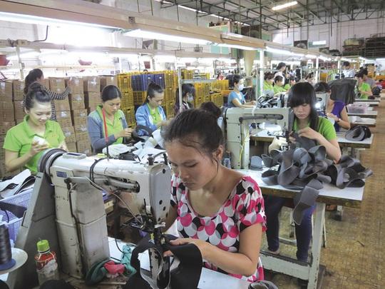 Giảm lương hưu của lao động nữ: Đổ vỡ niềm tin - Ảnh 1.