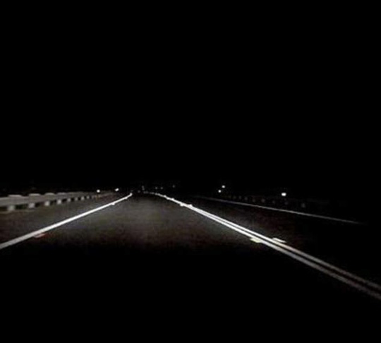 Lạnh người với con đường ma ám nhất nước Úc - Ảnh 1.