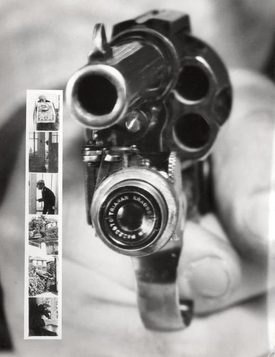 Phát minh kết hợp máy chụp ảnh và súng lục ổ quay để người dùng có thể vừa...bắn vừa chụp ảnh. Nguồn ảnh: techcrunch.com