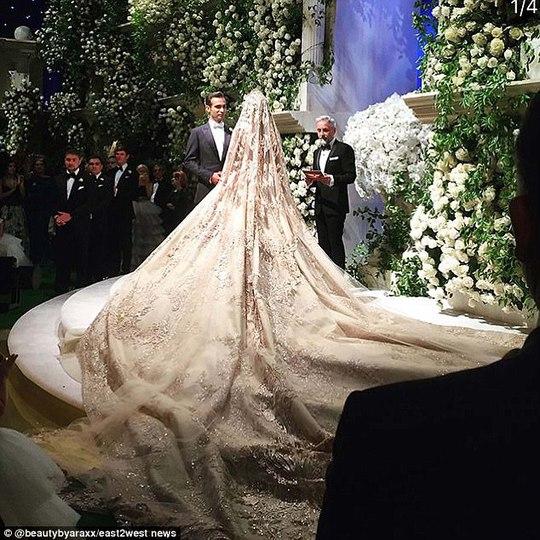 Đám cưới con tài phiệt Nga khiến Hollywood choáng ngợp - Ảnh 1.