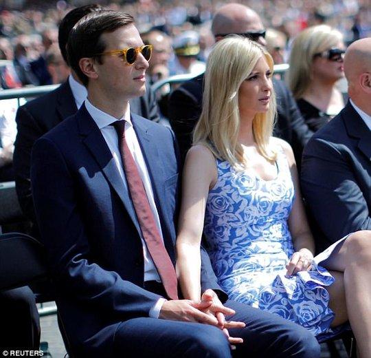 Vợ chồng Ivanka Trump ngọt ngào đến lạ - Ảnh 4.