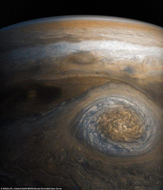 Cận cảnh Sao Mộc và hai mặt trăng kỳ ảo - Ảnh 4.