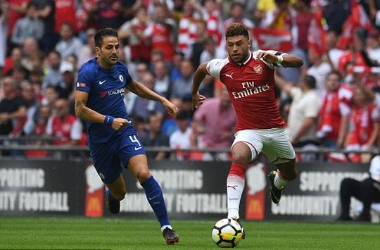 Chelsea chi 25 triệu bảng lôi kéo Chamberlain - Ảnh 2.