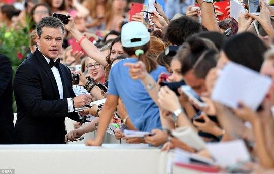 Matt Damon lịch lãm tại khai mạc LHP Venice - Ảnh 4.