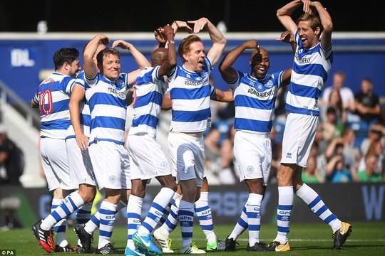 Mourinho làm thủ môn, đội nhà thủng lưới liền 6 bàn - Ảnh 4.