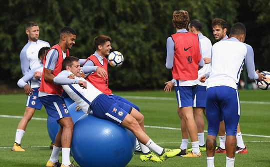 Chelsea tập bài dị trước đại chiến Arsenal - Ảnh 6.