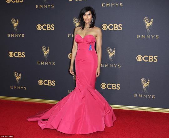 Sofia Vergara đánh cắp hào quang thảm đỏ Emmy - Ảnh 11.