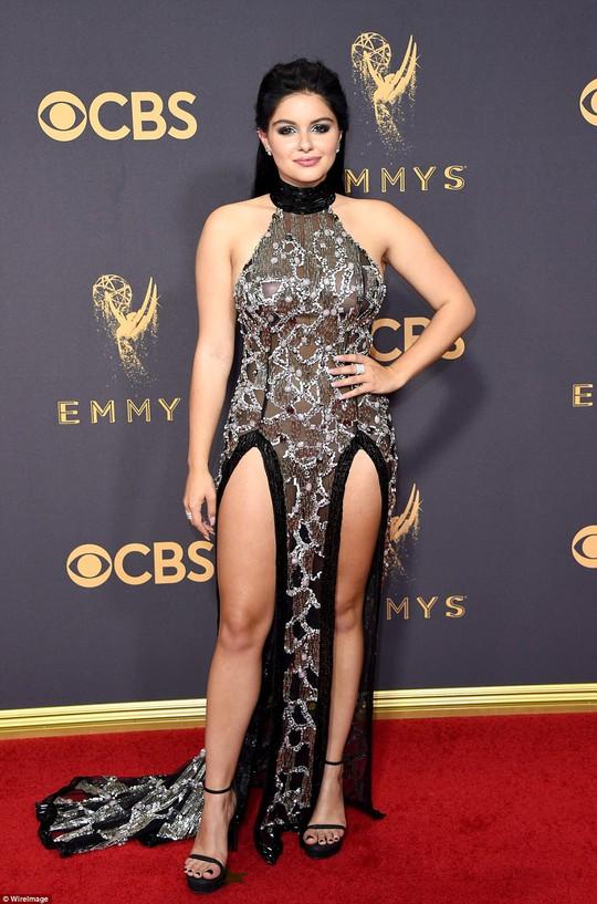 Sofia Vergara đánh cắp hào quang thảm đỏ Emmy - Ảnh 10.