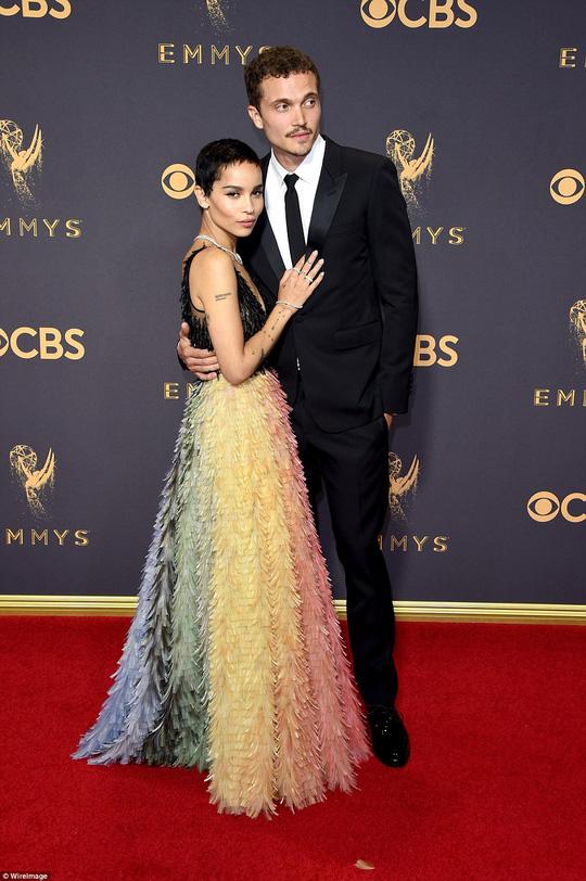 Sofia Vergara đánh cắp hào quang thảm đỏ Emmy - Ảnh 9.