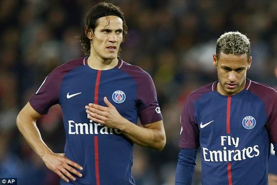 Neymar yêu cầu PSG bán Cavani ngay và luôn - Ảnh 1.