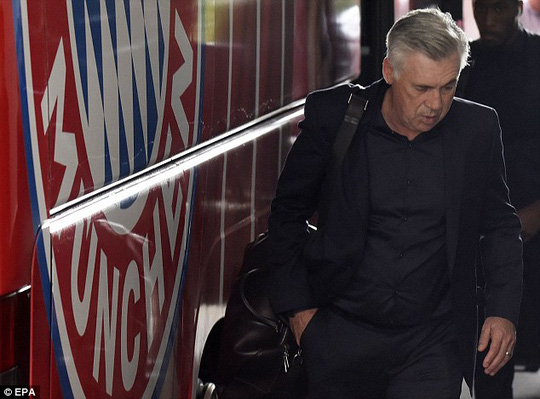 HLV Ancelotti bị sa thải sau trận thua thảm PSG - Ảnh 1.