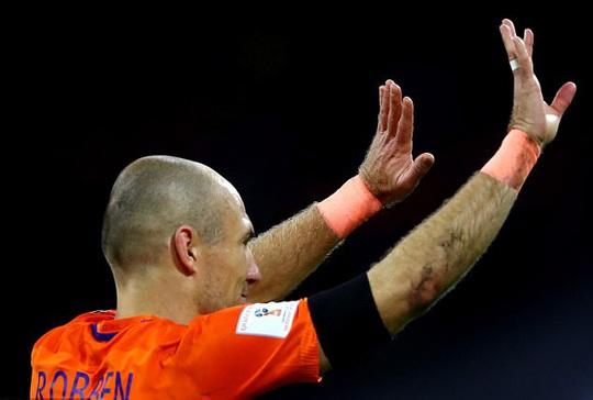 Hà Lan không tranh nổi vé vớt, Robben giã từ đội tuyển - Ảnh 1.