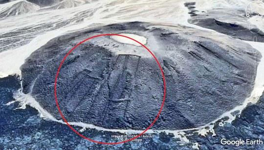 Phát hiện di tích Ả Rập 7.000 năm tuổi nhờ… Google - Ảnh 1.