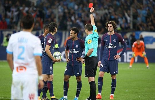 Đánh nguội đối thủ, Neymar lần đầu bị đuổi ở Ligue 1 - Ảnh 1.