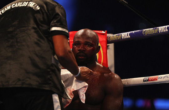 Đánh kẻ thách đấu đổ máu, Joshua bảo vệ đai vô địch - Ảnh 5.