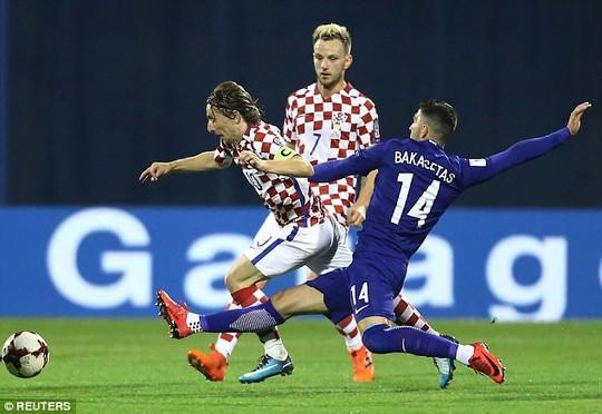 Thắng cách biệt 4 bàn, Croatia đặt một chân đến World Cuo 2018 - Ảnh 1.