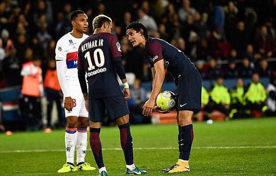 Cavani đồng ý nhường Neymar đá phạt - Ảnh 2.