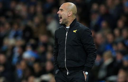 Mourinho: Cầu thủ Man City mong manh, dễ ngã - Ảnh 6.